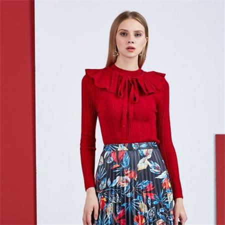 大红色毛衣搭配百褶裙