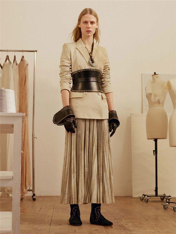 Alexander McQueen 2017 早秋时尚系列